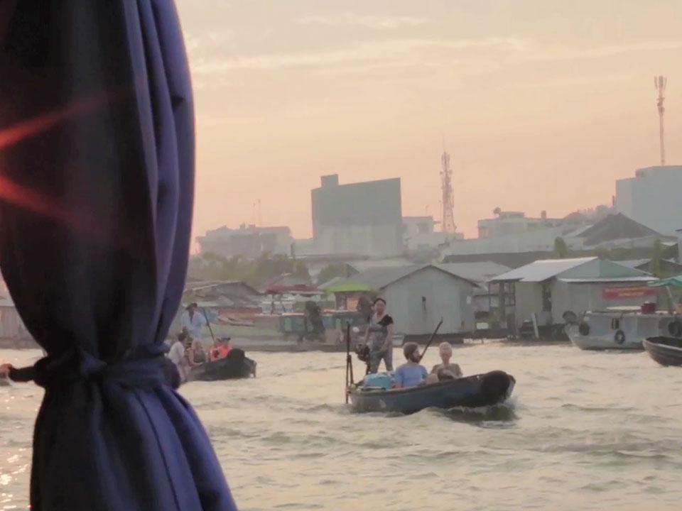 tourguide cambodja over de grens vietnam